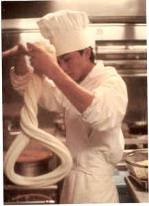 Mr. Chow's nightly noodle-making demonstration has been a tradition for more than four decades. Photo: Alen Lin Photography