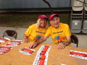 The Optimist Club's Jean Sharp and Dr. Mike Martini helped hand out race numbers at the 5/10K. Let's hear it for all the volunteers!